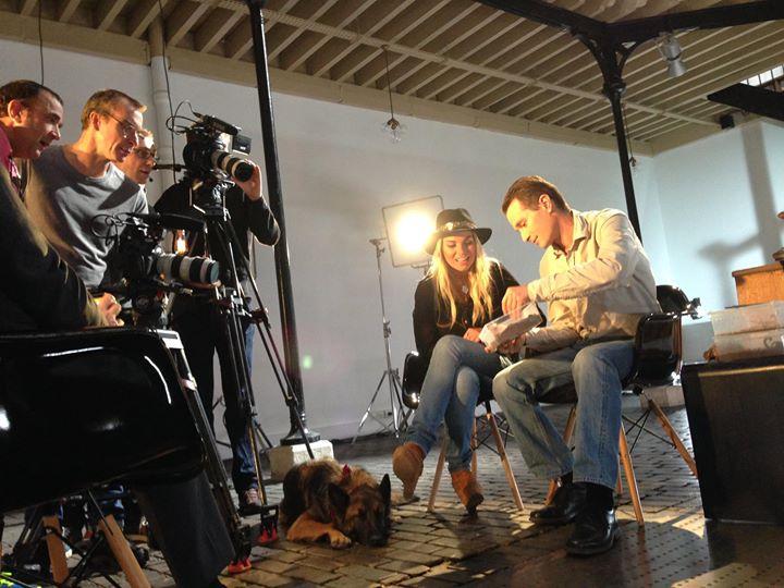 En tournage avec Jukurpa Media | FL Concepts & co | Interscoop, for Professionals pour l'émission Animaux Stars sur la la chaîne Animaux